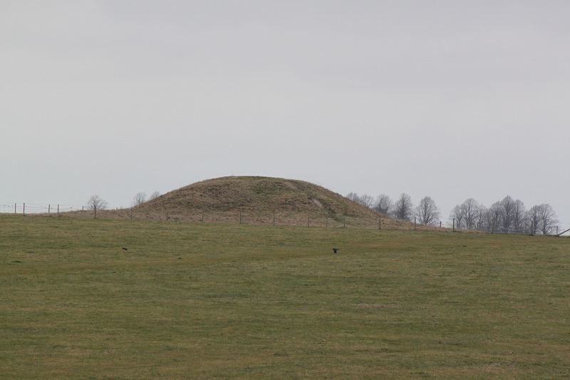 megalithic-small-barrow
